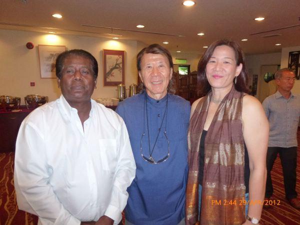 2012_04_28-acs-alumni-website-launch-011
