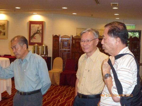 2012_04_28-acs-alumni-website-launch-015