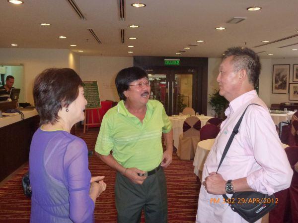2012_04_28-acs-alumni-website-launch-017