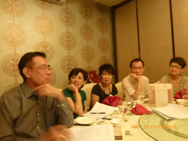 2012_06_23-annual-dinner-committee-meeting-food-tasting-005