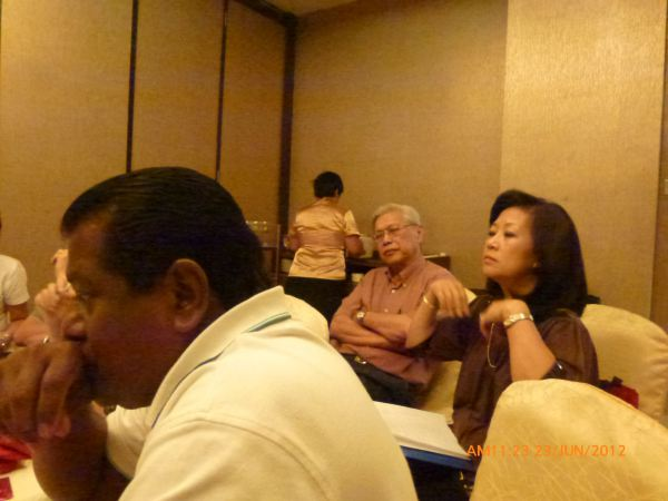 2012_06_23-annual-dinner-committee-meeting-food-tasting-008
