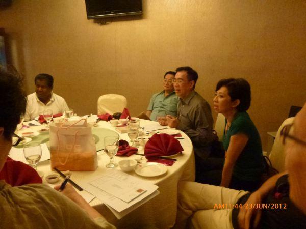 2012_06_23-annual-dinner-committee-meeting-food-tasting-011