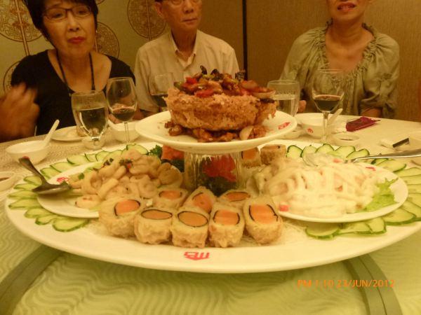 2012_06_23-annual-dinner-committee-meeting-food-tasting-016