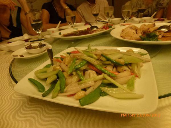 2012_06_23-annual-dinner-committee-meeting-food-tasting-020